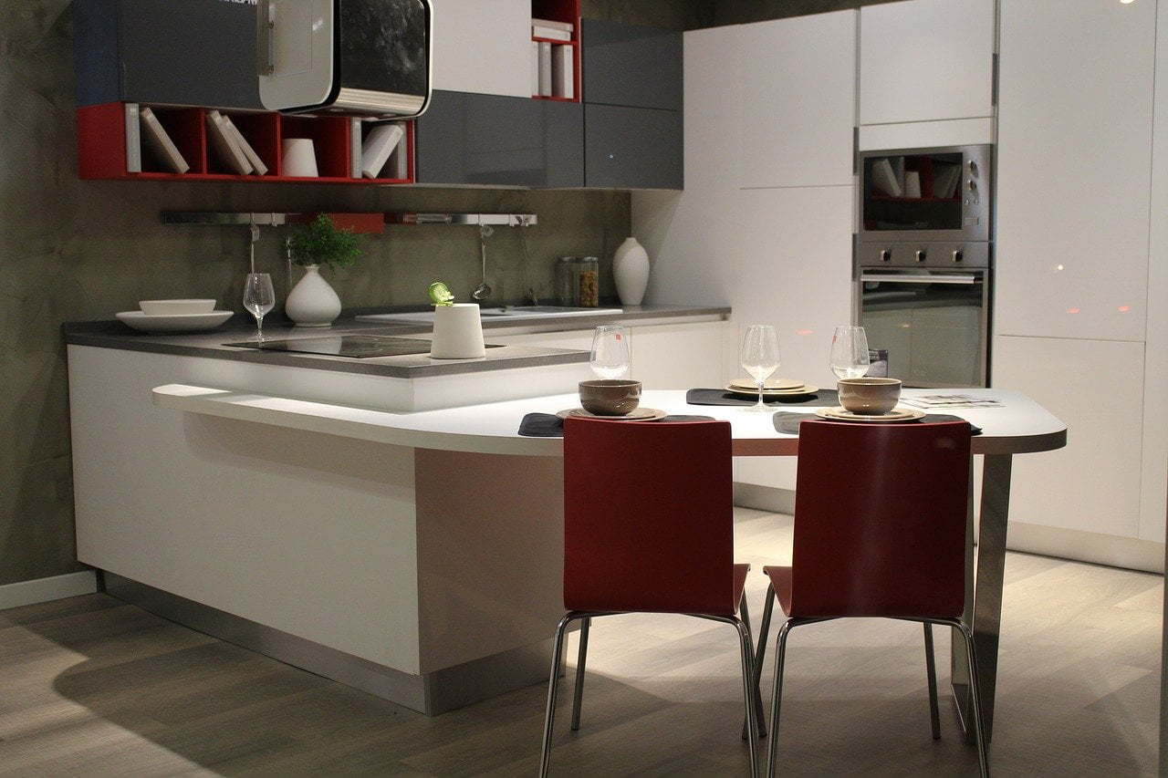 How to Remodel a Small Kitchen to Make it Look Bigger
